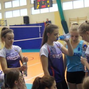 Team Łęczyca ponownie mistrzem Ligi Kobiet.Leśne Dziadki wicemistrzem III ligi.Składy reprezentacji lig na zakończeniu.